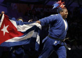 En la imagen, la campeona mundial y olímpica, Idalis Ortiz. Foto: Jeffrey Arguedas/Efe/Archivo