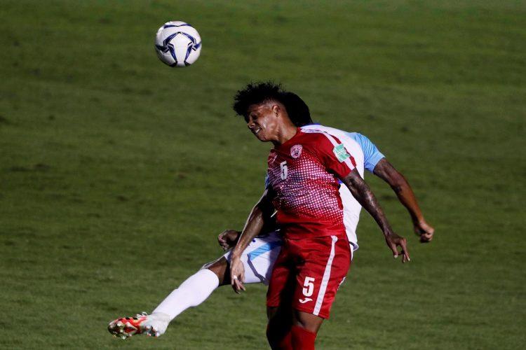 Cuba enfrenta a Guatemala y pierde (1-0) en un partido eliminatorio de la Concacaf para la Copa Mundo Catar 2022, disputado en el estadio nacional Doroteo Guamuch de Ciudad de Guatemala (Guatemala). EFE/Esteban Biba.
