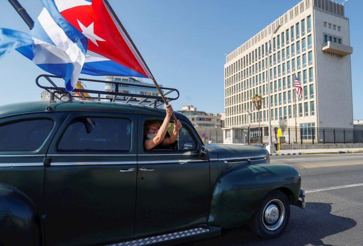 Caravana contra el embargo de Estados Unidos a Cuba, en La Habana, el 28 de marzo 2021. Foto: Yander Zamora / EFE/Archivo.