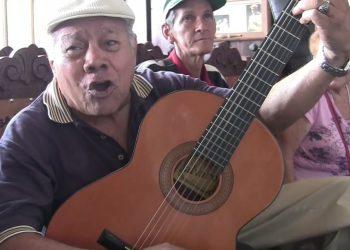 El trovador santiaguero Alejandro Almemares. Foto: YouTube.