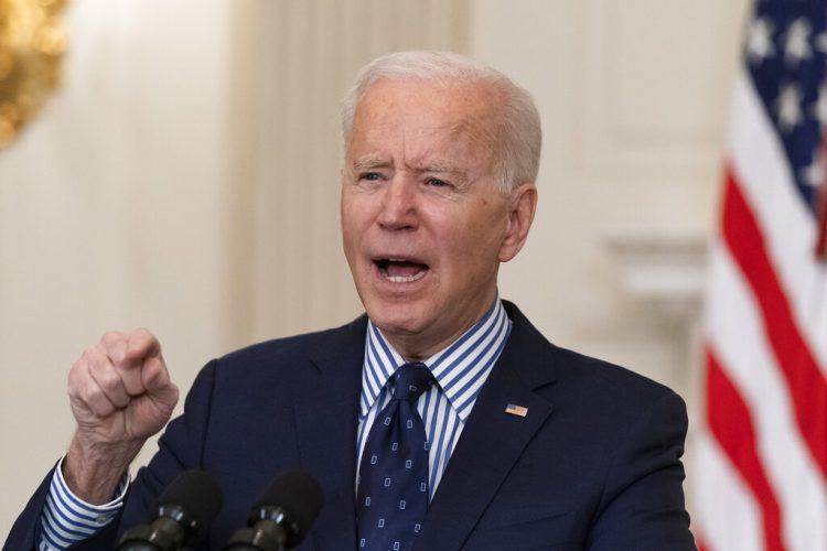 El presidente estadounidense Joe Biden en la Casa Blanca, en Washington el 6 de marzo del 2021. Foto: AP/Alex Brandon.