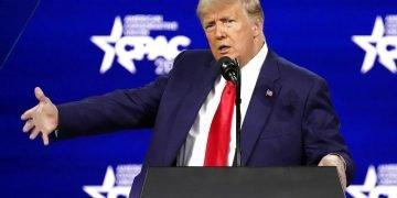 El expresidente Donald Trump da un discurso en la Conferencia de Acción Política Conservadora, el domingo 28 de febrero de 2021, en Orlando, Florida. Foto: AP Foto/John Raoux.
