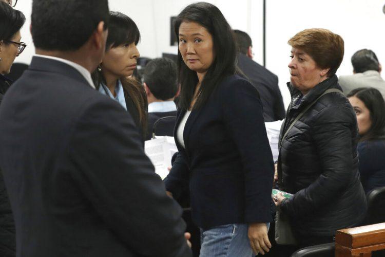 En esta fotografía de archivo del 24 de octubre de 2018, Keiko Fujimori asiste a una audiencia en Lima, Perú. Un fiscal peruano solicitó el jueves 11 de marzo de 2021 30 años de prisión para Keiko Fujimori y la disolución de su partido político Fuerza Popular por presunto lavado de dinero de la constructora brasileña Odebrecht.  FOTO: Martín Mejía/Archivo/AP.