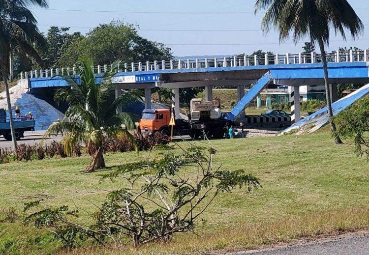 Accidente en el puente del Calvario. Foto: tomada de Twitter.