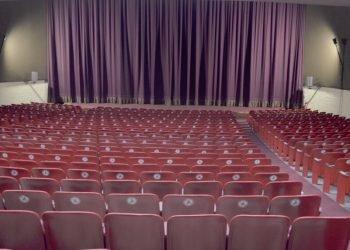 Sala principal del cine habanero Charles Chaplin, tras las obras de reparación realizadas desde julio pasado. Foto: @Dayliname/Twitter.