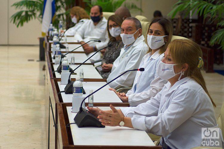 Científicos cubanos durante una conferencia de prensa sobre las vacunas cubanas contra la COVID-19, el 4 de marzo de 2021 en La Habana. Foto: Otmaro Rodríguez.