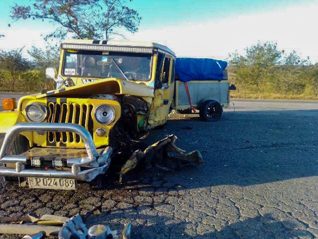 Así quedó el jeep Willys tras el accidente. Foto: radiomajaguabo.icrt.cu