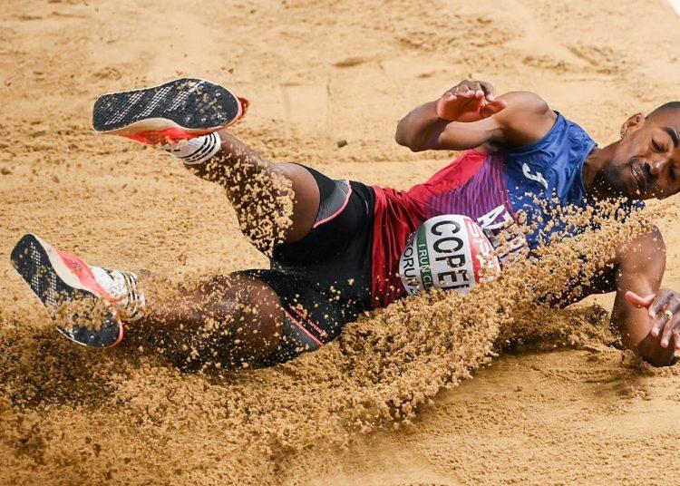 """Copello, de 35 años, se colgó la plata con su último salto, de 17.04. """"Para mis niñas"""", dijo a la cámara. Foto: facebook.com/torun2021"""