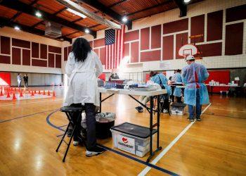 Con sus más de 30 millones de infecciones, Estados Unidos sigue como el primer país del mundo en número de casos. Foto: ETIENNE LAURENT/ EFE/EPA/Archivo.