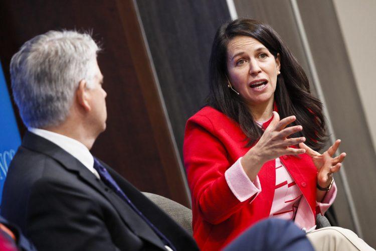 Marcela Escobari (d), nominada por la Administración Biden para organizar el trabajo de la USAID en Latinoamérica y el Caribe. Foto: Brookings Institute / Archivo.