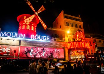 "El famoso cabaret ""Moulin Rouge"". Foto: Kaloian Santos Cabrera."