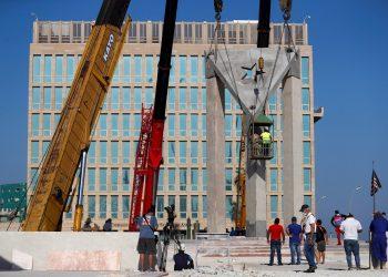 Restauración de la tribuna antiimperialista hoy en La Habana (Cuba). Foto: EFE/Yander Zamora.
