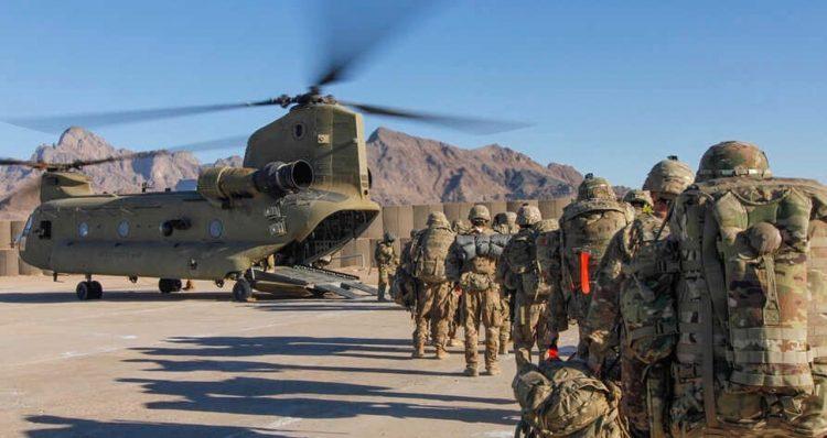 Imagen de archivo del primer intento de sacar tropas de Estados Unidos de Afganistán. Foto: VOA.