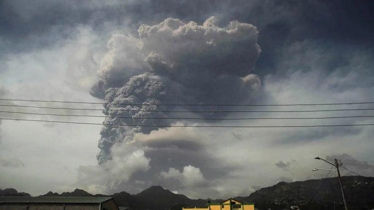 La nube de polvo del volcán La Soufriere podría llegar al Caribe en los próximos días. Foto: eldia.com.do