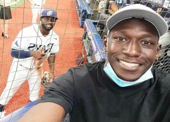 Raiko Arozarena (al frente) y Randy acaparan la atención de Tampa en el fútbol y el béisbol. Foto: Talkin´ Baseball.