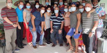 Colaboradores cubanos en San Vicente y las Granadinas. Foto: Agencia Cubana de Noticias (ACN).