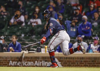 Guillermo Heredia pegó un grand slam en pasado domingo que se convirtió en el cuadrangular 5200 para Cuba en MLB. Foto: Kamil Krzaczynski-USA TODAY Sports
