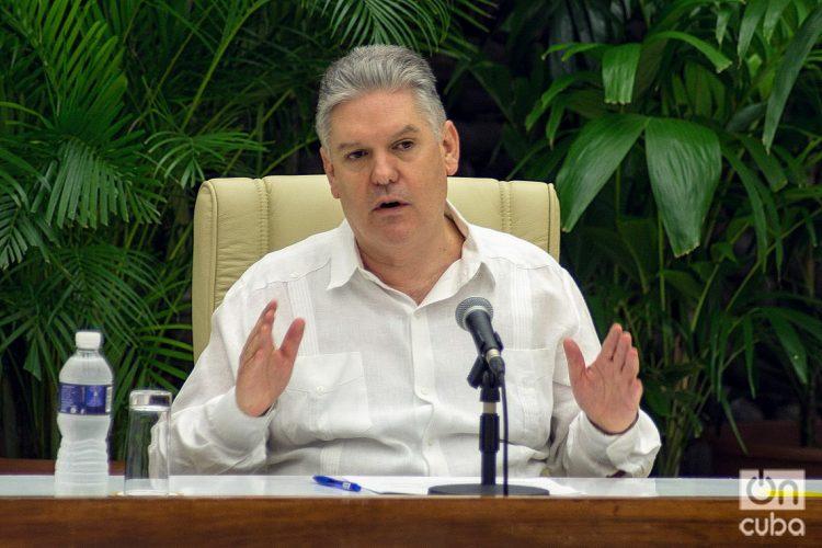 El viceprimer ministro cubano y titular de Economía de Cuba, Alejandro Gil. Foto: Otmaro Rodríguez.