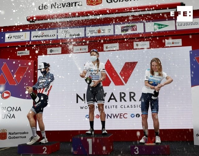 Arlenis Sierra celebra el triunfo en la Vuelta