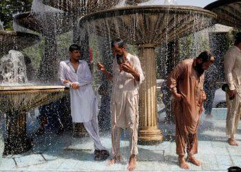 Karachi, Pakistán, una de las ciudades de mayor calor en el mundo. Foto: The Guardian.