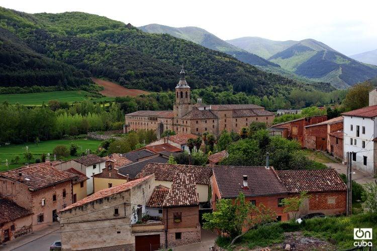 Vistas exteriores del monasterio de Yuso, enclavado en el Valle de San Millán, en la Rioja. Foto: Alejandro Ernesto.