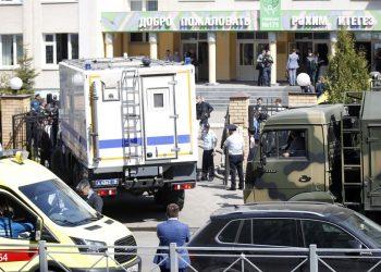La escuela de la ciudad rusa de Kazán donde tuvo lugat el tiroteo. Foto: Live5News.
