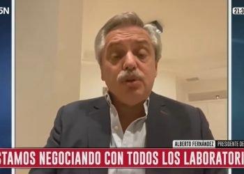 El presidente Alberto Fernández durante su entrevista con periodistas de C5N.