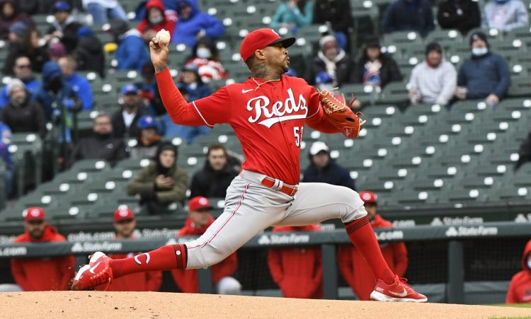 May 28, 2021; Chicago, Illinois, USA; Cincinnati Reds staring pitcher Vladimir Gutierrez (53) throws against the Chicago Cubs during the first inning at Wrigley Field. Mandatory Credit: Matt Marton-USA TODAY Sports
