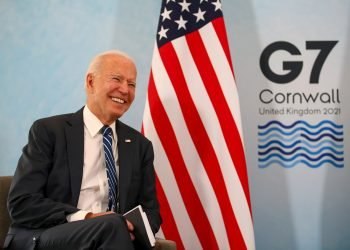 El presidente de EE.UU., Joe Biden, durante un encuentro con el primer ministro británico Boris Johnson, en el contexto de la cumbre del G7 en el Reino Unido. Foto: Hollie Adams / POOL / EFE.