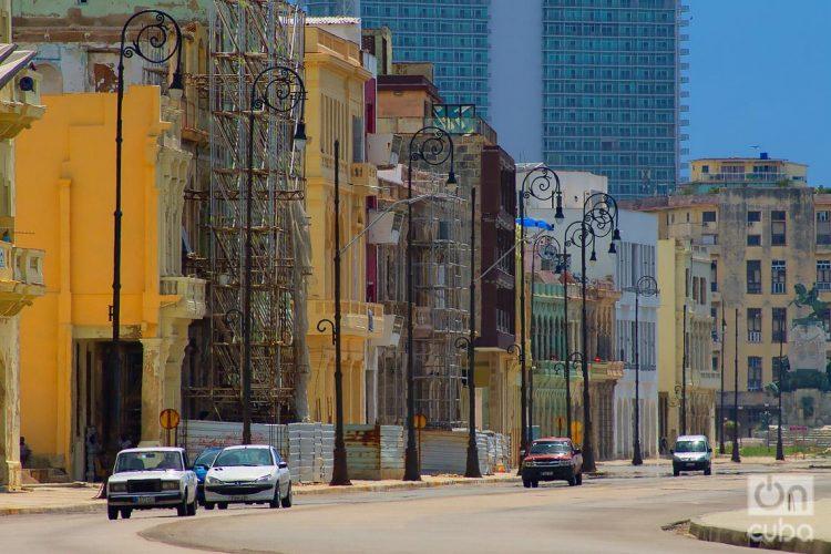 Avenida Malecón, en La Habana. Foto: Otmaro Rodríguez.