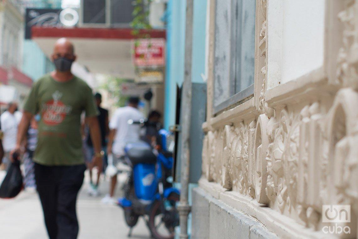 Calle San Rafael, en La Habana. Foto: Otmaro Rodríguez.
