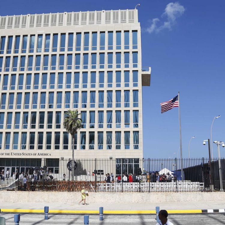 Embajada de Estados Unidos en La Habana. Foto: Desmond Boylan / AP / Archivo.