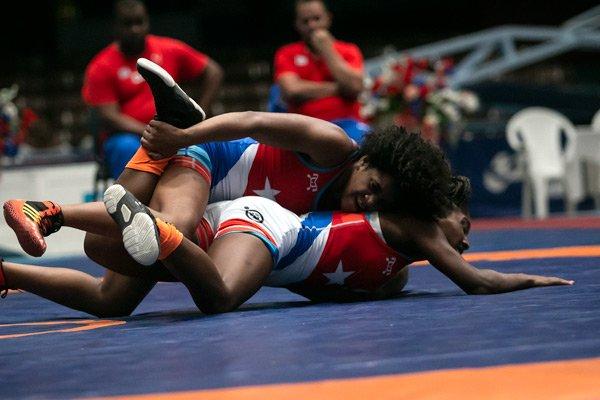 La luchadora juvenil cubana Yolanda Cordero (arriba), clasificada para los Juegos Panamericanos Junior Cali 2021. Foto: Roberto Morejón / Jit / Archivo.