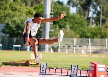 El saltador cubano Juan Miguel Echevarría en el mitin atlético de Castellón, España, el 29 de junio de 2021. Foto: DeporCuba.