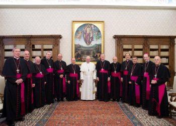 El Papa Francisco con algunos de los obispos estadounidenses en el Vaticano. Foto: Conferencia de Obispos de EEUU. / Archivo.