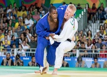 Yordani Fernández (izquierda) gsnó bronce en los Juegos Paralímpicos de Río de Janeiro en el 2016, resultado que pretende mejorar en Tokio. Foto: Tomada de Judo Inside.