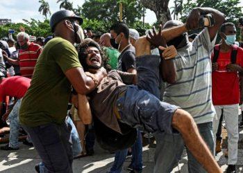 Durante las protestas del día 11 de julio. Foto: AFP