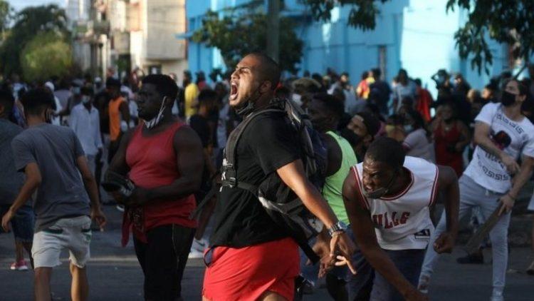 Durante las protestas en La Habana 11 de julio, foto: Reuters.