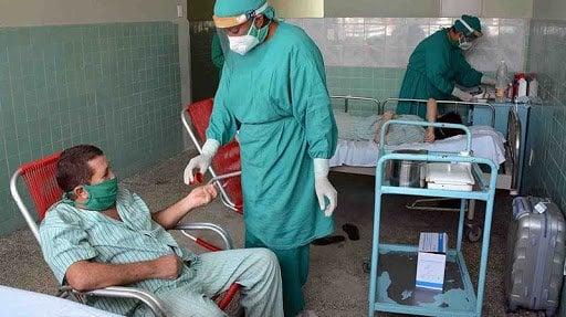 Pacientes en un hospital de Camagüey. Foto: Agencia Cubana de Noticias (Acn).