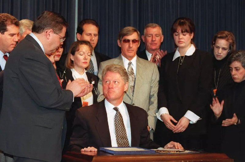 President William (Bill) Clinton (January 1993-January 2001). During Bill Clinton's administration, the Cuban Democracy Act (1992) and the Cuban Liberty and Democracy Solidarity Act, known as the Helms-Burton Act (1996) strengthened the embargo. Photo: Archive.