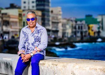 El curador y especialista en artes visuales Juanito Delgado, líder del proyecto cultural Detrás del Muro, fallecido en La Habana el 15 de julio de 2021. Foto: Izuky Pérez / Archivo OnCuba.