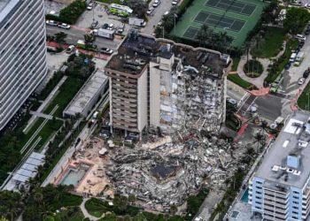 El condominio Champlain Towers South, de 12 pisos, en Miami Beach. Foto: The Guardian.