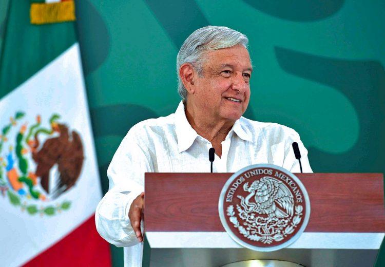 Fotografía cedida por la presidencia de México, del presidente Andrés Manuel López Obrador durante su conferencia matutina, en el estado de Veracruz, el lunes 26 de julio de 2021. Foto: Presidencia de México / EFE.