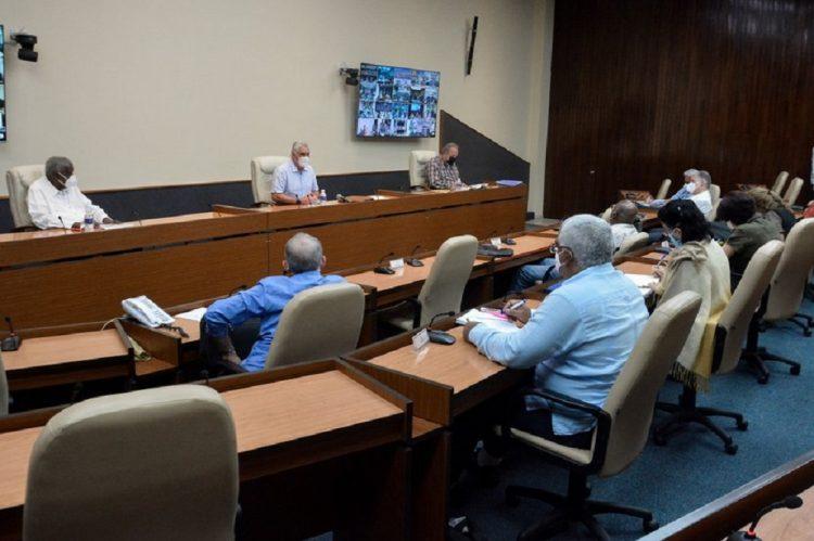 Reunión del Grupo temporal de trabajo del Gobierno para el enfrentamiento a la COVID-19, martes 13. Foto: ACN.