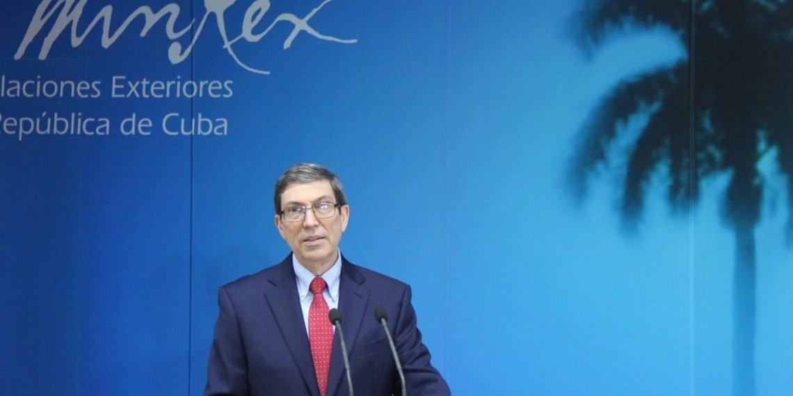 El canciller cubano Bruno Rodríguez durante una conferencia de prensa sobre los más recientes acontecimientos en la Isla, el martes 13 de julio de 2021. Foto: Cancillería de Cuba / Twitter.