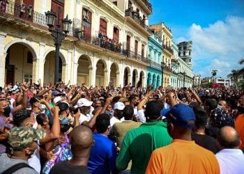 Foto de archivo de las protestas antigubernamentales en La Habana, en julio de 2021. Foto: Yamil Lage / AFP vía La Nación / Archivo.