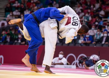 Iván Silva (de blanco) no pudo superar su primer combate en los Juegos Olímpicos de Tokio. Foto: International Judo Federation.