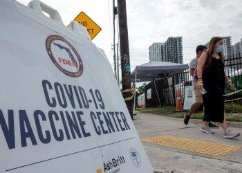 Centro de vacunación anticovid en Florida, EE.UU. Foto: Cristobal Herrera-Ulashkevich / EFE / Archivo.