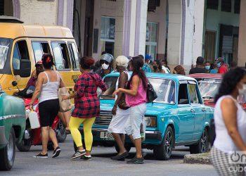 Paso peatonal en la calle Monte en La Habana. Foto: Otmaro Rodríguez.