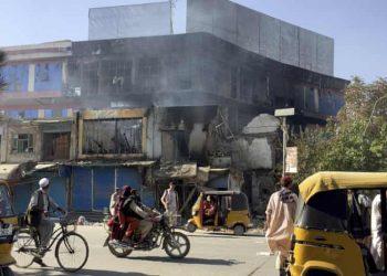 Se reportan enfrentamientos entre los talibanes y las fuerzas de seguridad en la ciudad de Kunduz, en el norte de Afganistán. Foto: Abdullah Sahil/AP.
